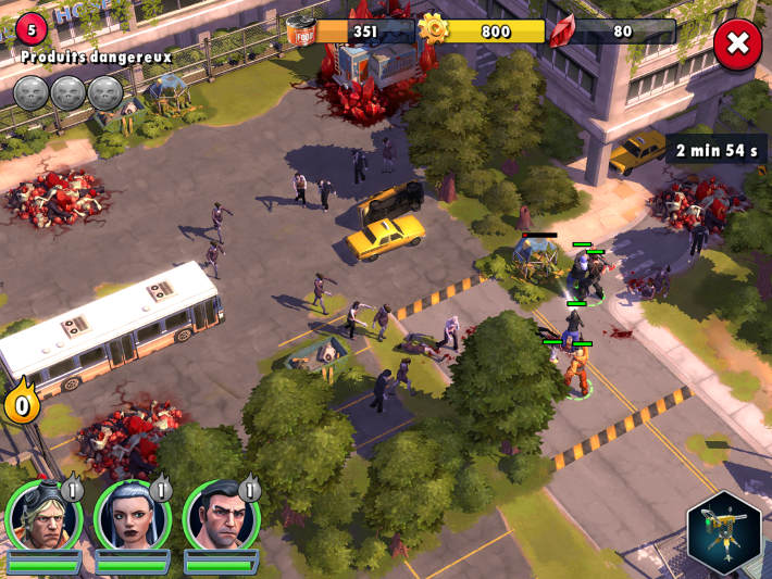 Raid face à une horde de zombies